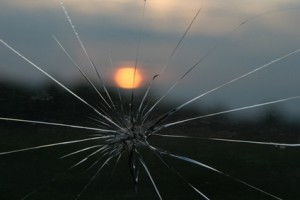 crack windshield